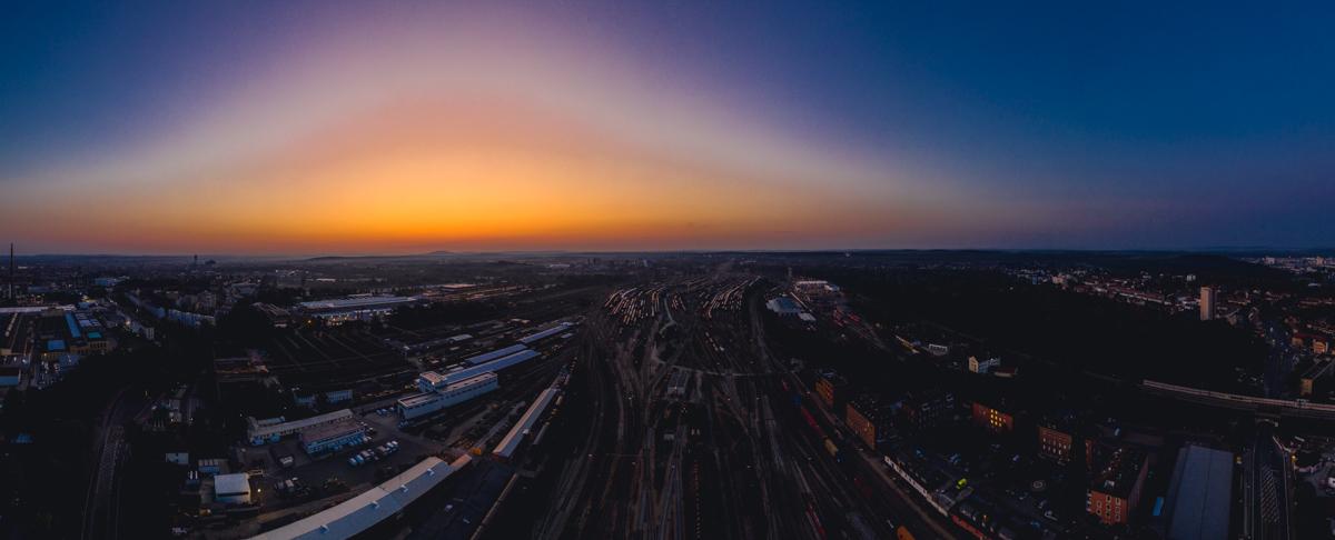 Sonnenaufgang am Nürnberger Güterbahnhof