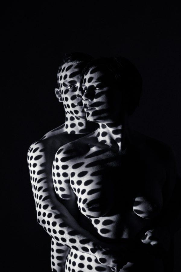 Projektionen auf nackter Haut Paar Pärchen